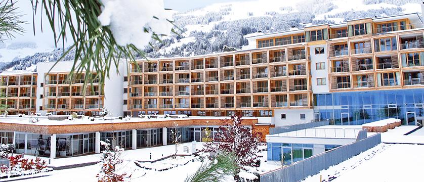 austria_kitzbuhel_Kempinski_ Hotel_Das_Tirol_Jochberg_exterior-by-day.jpg